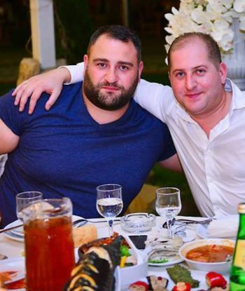 ალექსანდრე ჭიკაიძე წყნეთში, მეგობრის ქორწილში...