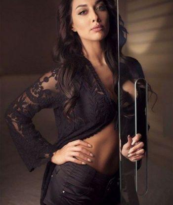 """ირანელი მსახიობი, რომელმაც ჰიჯაბის მოხსნა გაბედა, პროტესტის ნიშნად """"ინსტაგრამზე"""" სექსუალურ ფოტოებს აქვეყნებს"""