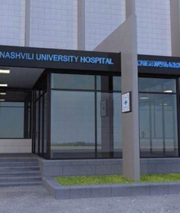 ცხვირის ოპერაციის შემდეგ 17 წლის გოგონას გული გაუჩერდა და კომაშია - ოჯახი ექიმებს ადანაშაულებს
