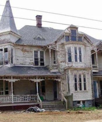 ამ სახლს ანგრევდნენ, მაგრამ რესტავრატორებმა მისგან საოცრება შექმნეს - ზღაპრული ინტერიერი